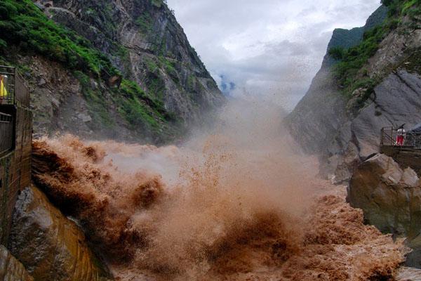 虎跳峡景区