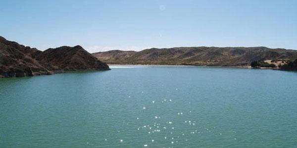 景点详情 金塔鸳鸯湖风景区位于金塔县城西南10公里,西为接天戈壁