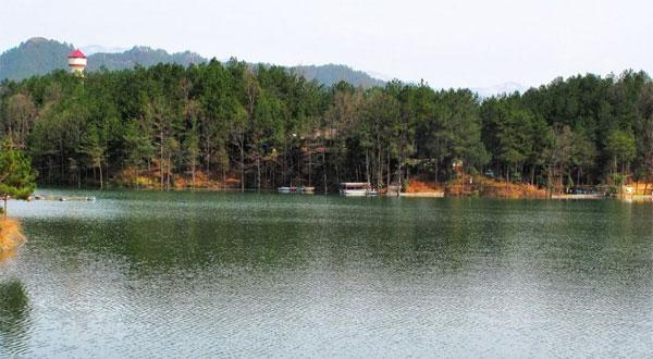 红寺湖风景区