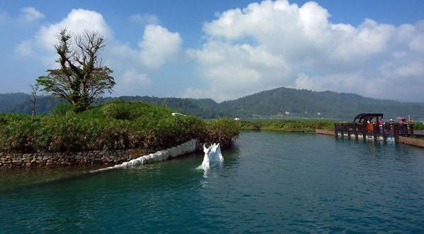 日月山的由来_拉鲁岛(Lalu岛)