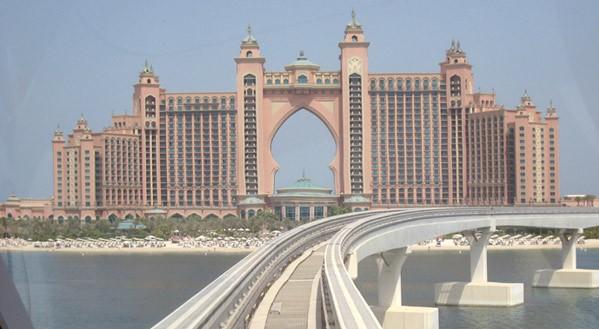 迪拜月牙塔建筑图片