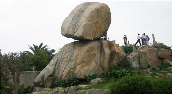 东山风动石景区是国家4a级景区,福建省首批省级风景名胜区之一.